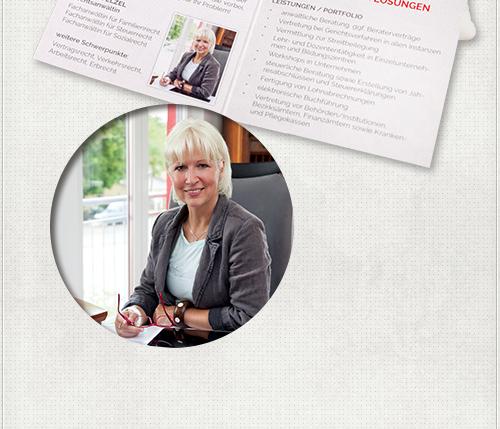 Gestaltung der Innenseiten des Flyers mit Text und von Headshot Berlin angefertigten Fotoaufnahmen der Rechtsanwältin Birgit Welzel