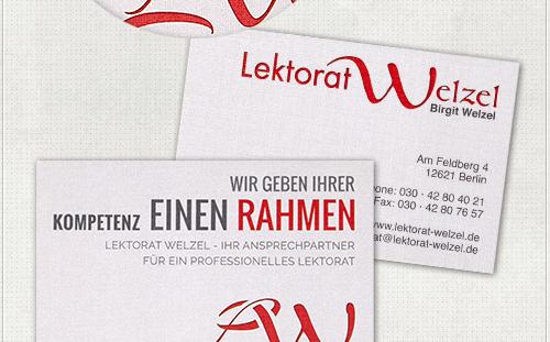Gestaltung der Visitenkarten mit Grautönen und Rot