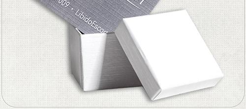 grau weiße Visitenkarten auf besonderem Papier