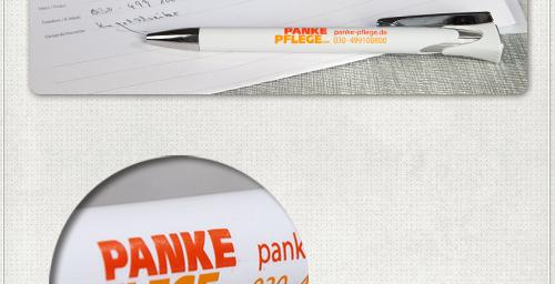 Detail der Kugelschreiber Gestaltung mit Schriftzug und Kontaktdaten