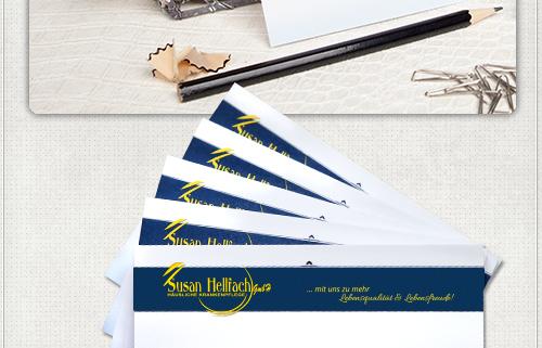 gelber Slogan und Logo auf blauem Hintergrund mit Gestaltungselementen