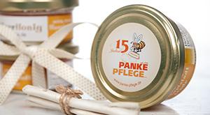 Honigglas mit Etikett der Panke Pflege GmbH